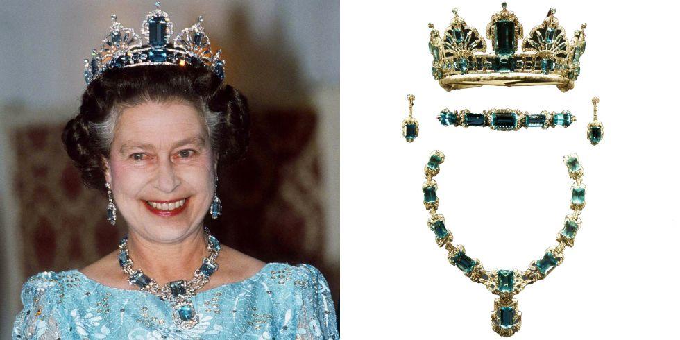 Εσείς τι προίκα πήρατε στο γαμό σας  Η Βραζιλία προίκισε τη βασίλισσα  Ελισάβετ Β  μια δέσμη κοσμημάτων της ακουαμαρίνας για τη στέψη της έτσι  αποφάσισε να ... b1a428add3b